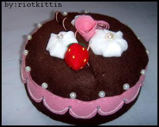 Chocolate cake. by riOtkittin