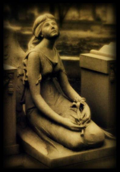 sitting angel II by Slopjockey