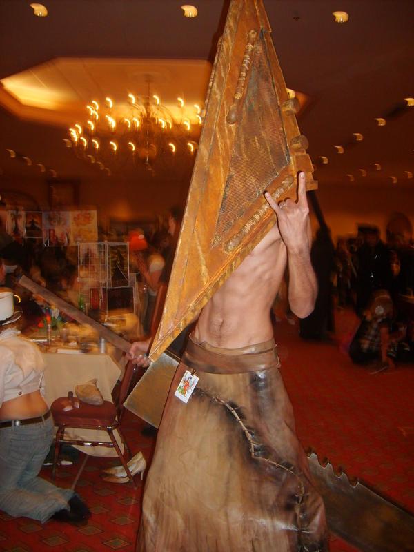 Pyramid_Head_cosplay_by_cpi.jpg