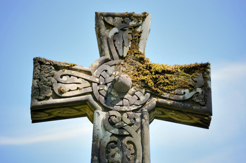 Celtic Cross by MairStudio