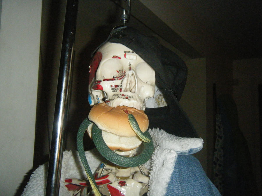 Snake burger by berriesandcreamy on deviantart for Achmed the dead terrorist halloween decoration