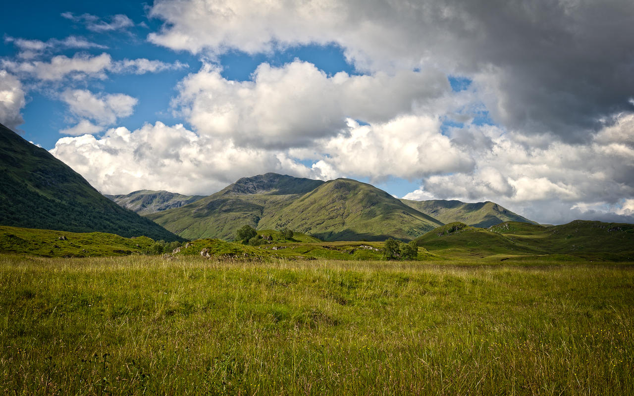 Scotland_WALLPAPER_16:10 by TomBrueck