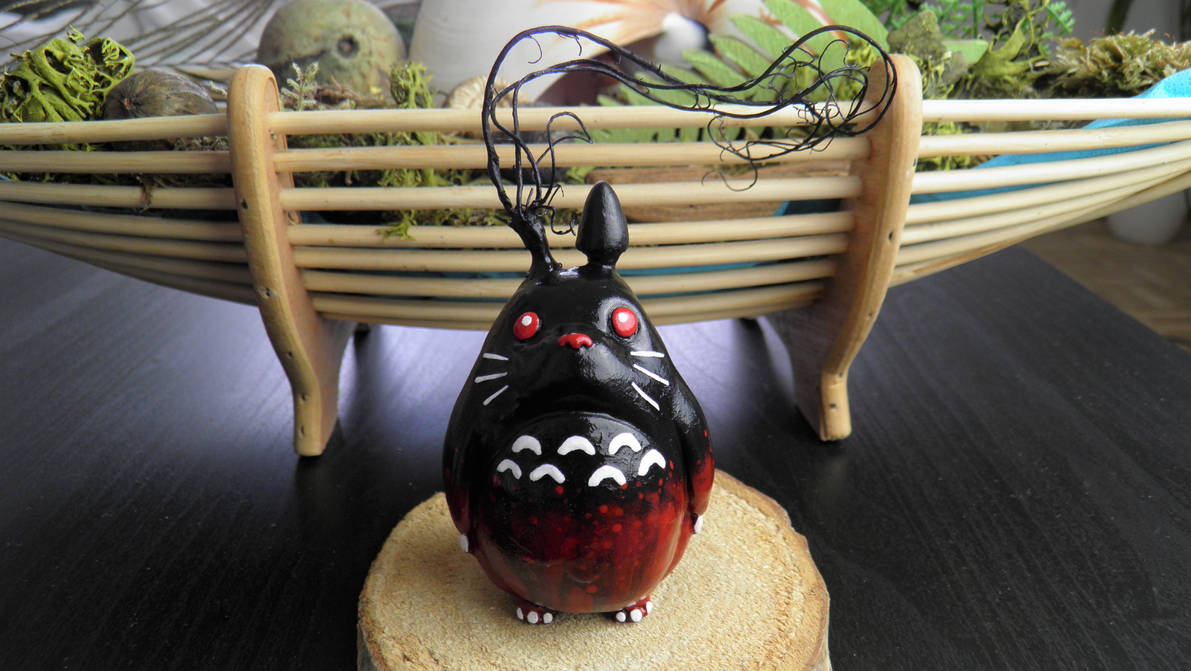 Red Nightmare Totoro by Neronai