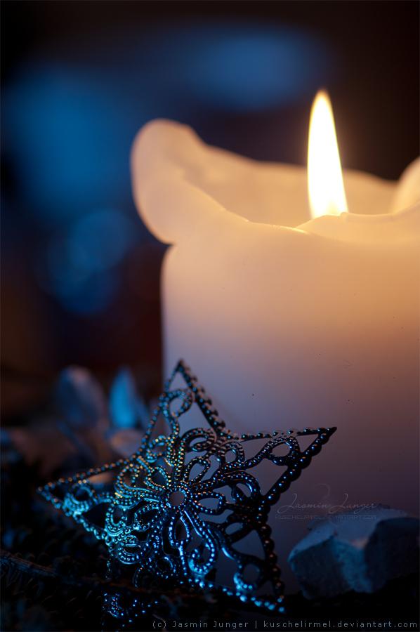 Plamen  svece - Page 4 Merry_christmas_dev_by_kuschelirmel-d8b6rjg