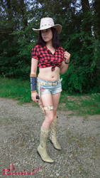 Claire RE Revelations 2 Rodeo Cosplay II by Rejiclad