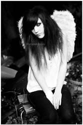Fallen Angel by MissHeroin