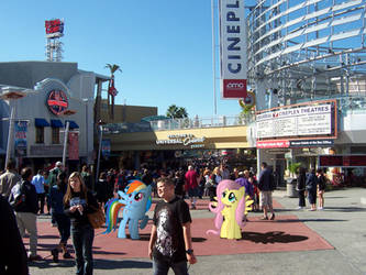 Rainbow and Fluttershy at CityWalk