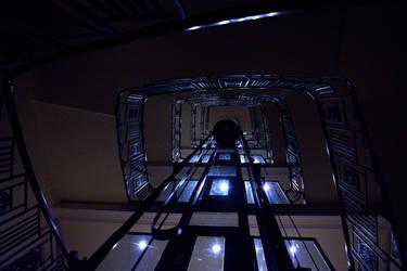Elevator (dark)