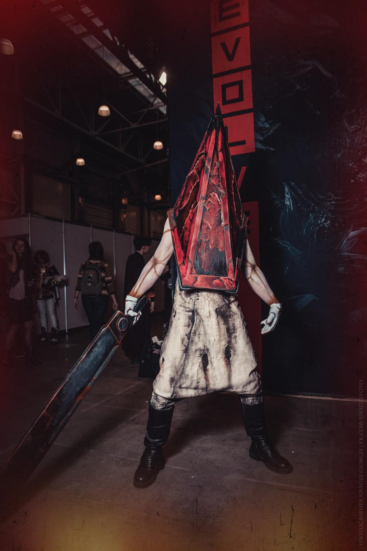Red Pyramid - Silent Hill 2 by Aoki-Lifestream