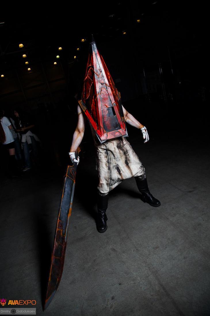 Red Pyramid Thing by Aoki-Lifestream