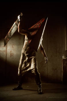 Silent Hill 2 - Pyramidhead cosplay