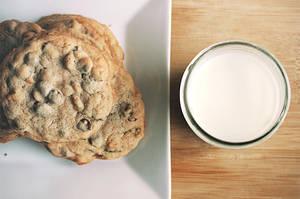 Milk + Cookies by choseninfinity