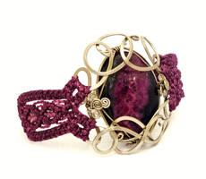 Wire Wrap and Macrame Bracelet by hyppiechic
