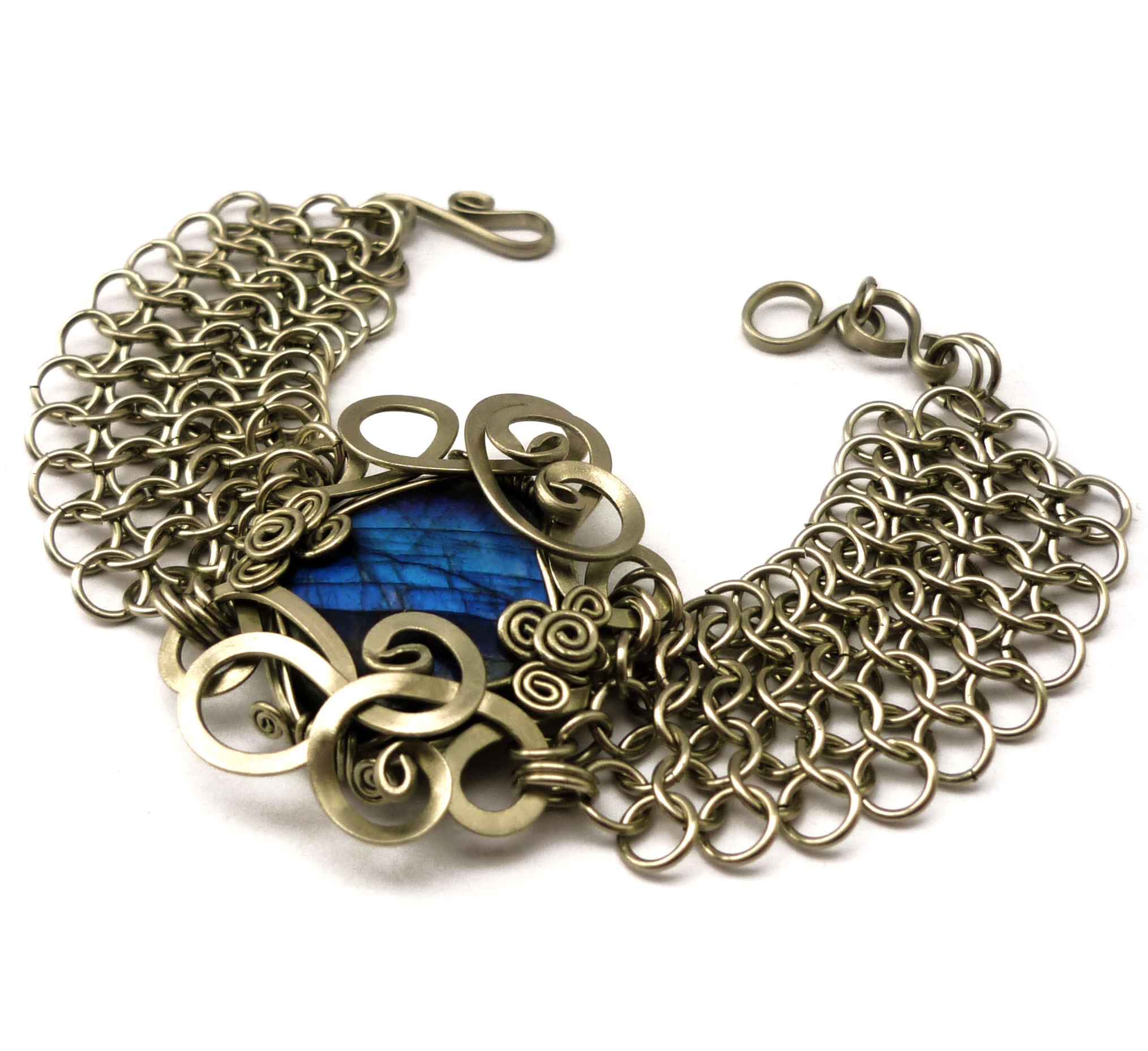 Make A Chain Mail Bracelet: Wire Wrap Chainmaille Bracelet With Labradorite By