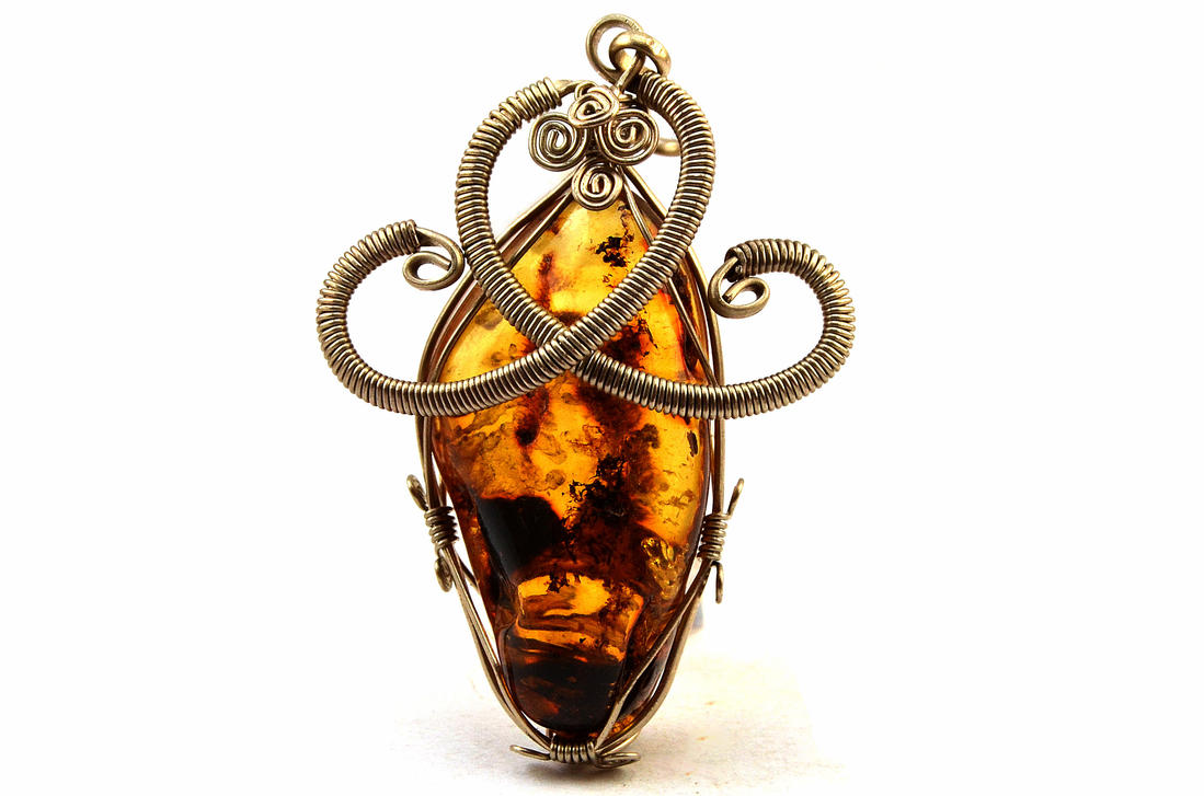 Wire Wrapped Pendant with Amber stone by hyppiechic