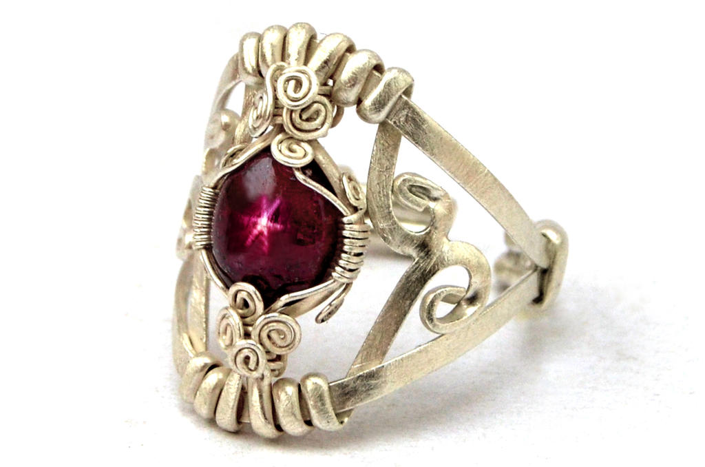 Star Ruby Ring - Sterling Silver Rin by hyppiechic