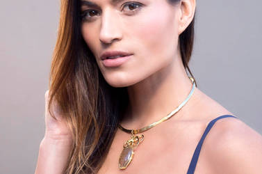 Elegant gold choker with wire wrapped pendant by hyppiechic