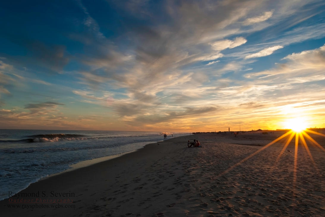 Sun Setting by the Sea by LenseMan