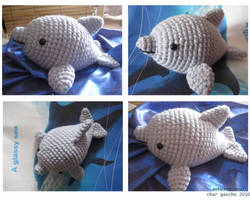 - Dolphin Amigurumi - by awkwardsoul
