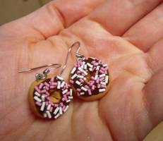 Chocolate Sprinkle Doughnut by lily-inabottle