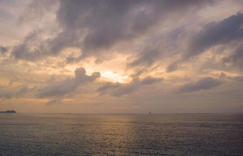 Belizean Waters by Dlaeth