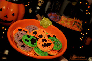 silly halloween cookies by asainemuri