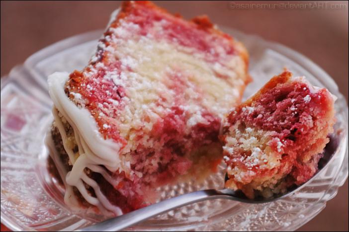 Strawberry Swirl Cake by asainemuri