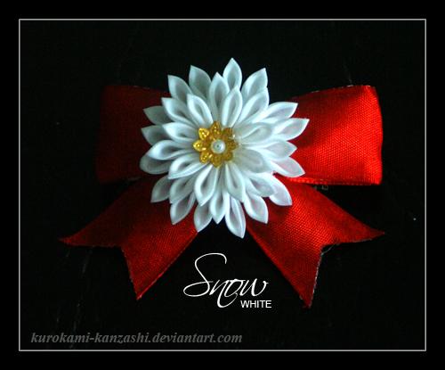 Snow White by Kurokami-Kanzashi