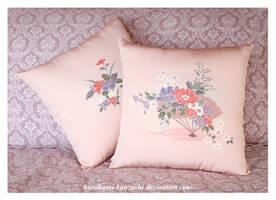 Elegant Fan Throw Pillows