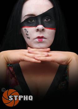 Laura W Oriental Makeup 01