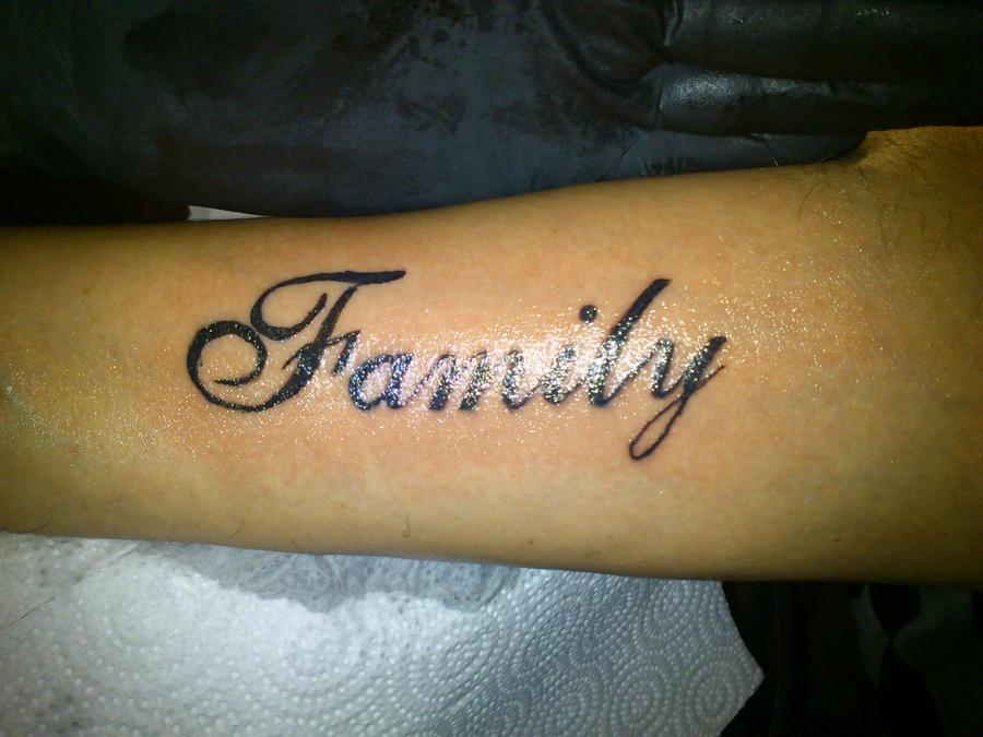 Famliy Tattoo Lettering By Sotoner