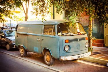 VW T2 by dempsej