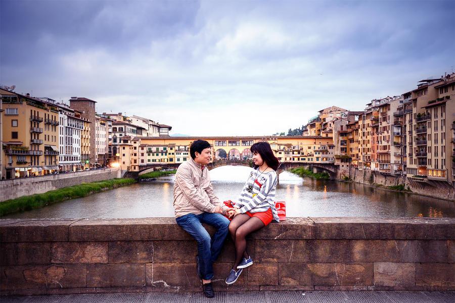 Love birds in Florence by garki