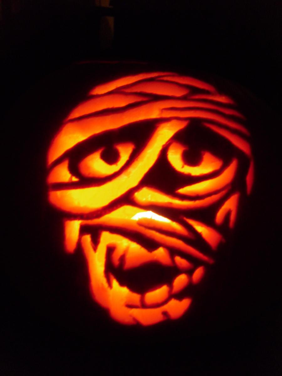 Jack O Lanterns And Carved Pumpkins On Pinterest Pumpkin