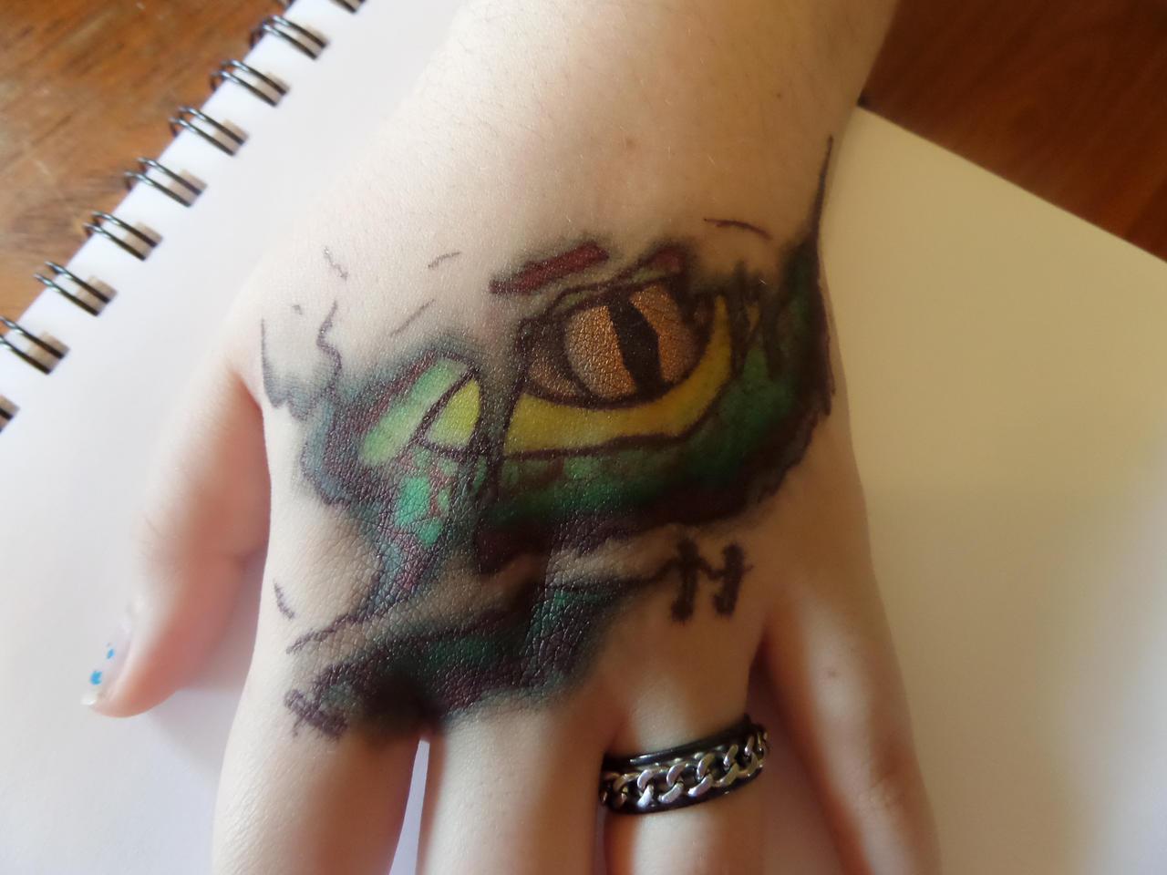Dragon 39 s gaze sharpie tattoo by surubi on deviantart for Sharpie tattoo designs