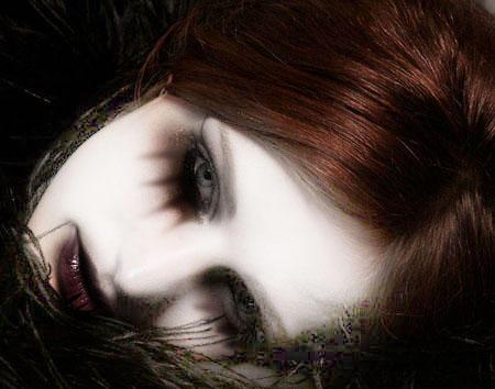 http://ic1.deviantart.com/fs9/i/2006/060/9/e/Gothic_Art_by_Hotoke_sama.jpg