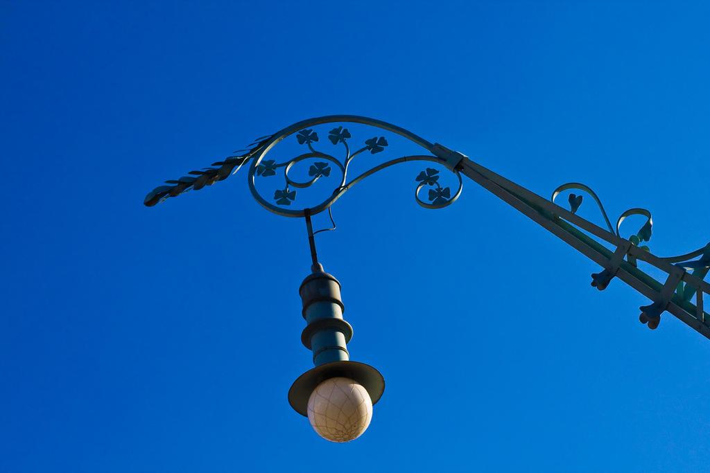 Baroque Light by PeterZen