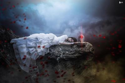 Sad-angel by LeLePhotography