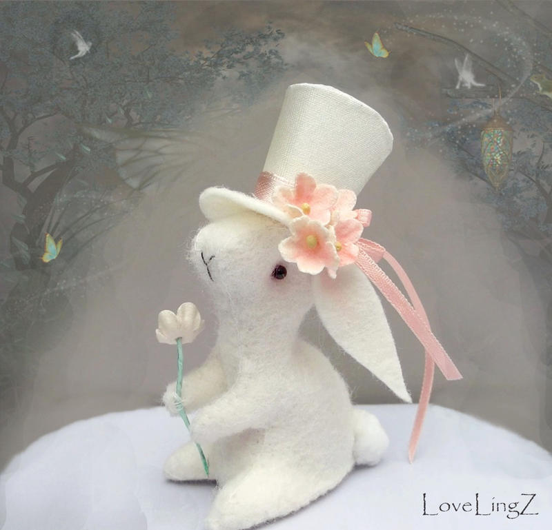 Victorian hat bunny~ by LoveLingz