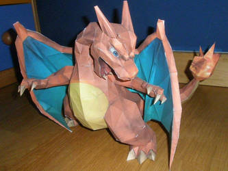Charizard by KokoroPapercraft