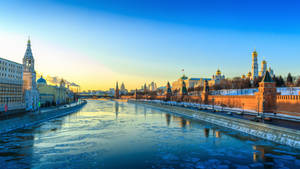 Frosty evening in Moscow by fly10