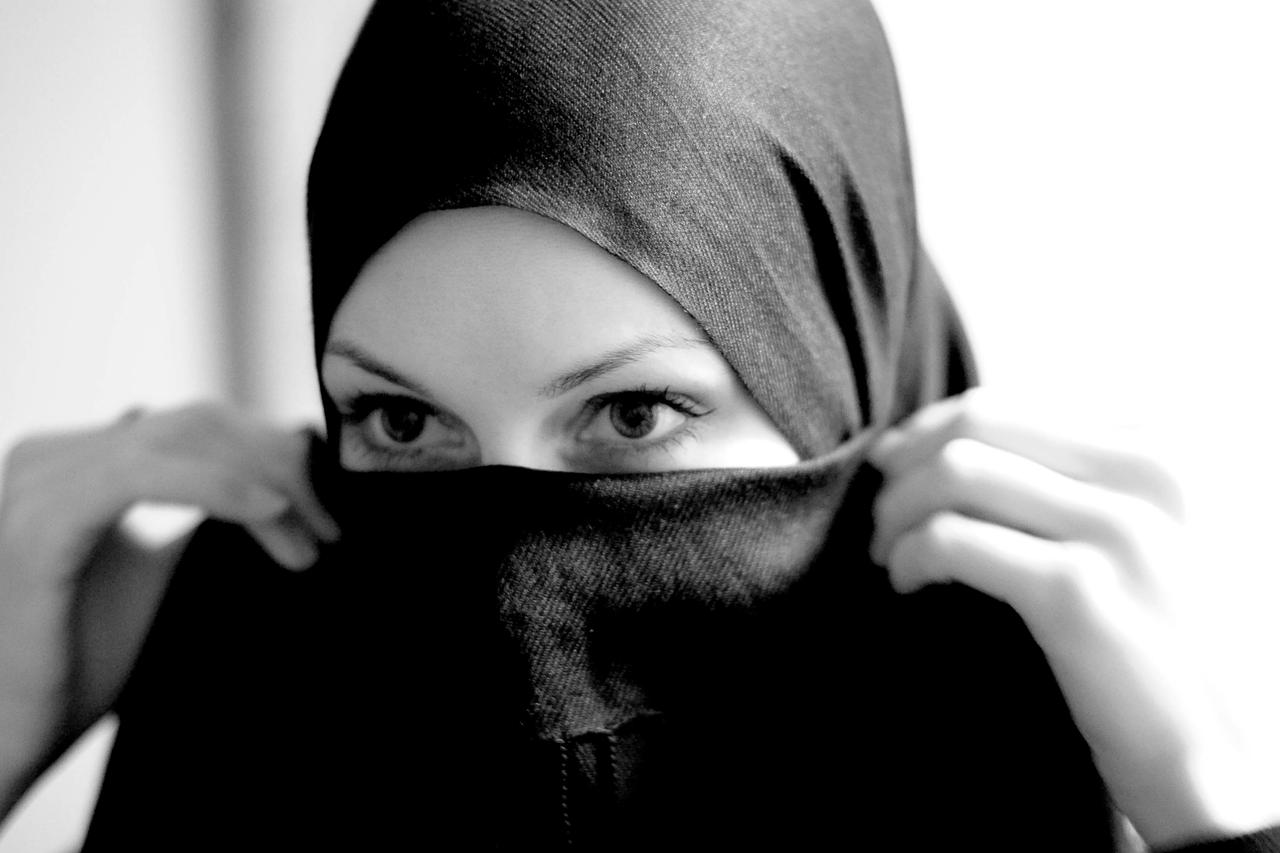 Penny Red: France, the Burqa and hypocrisy - for the Huffington Post