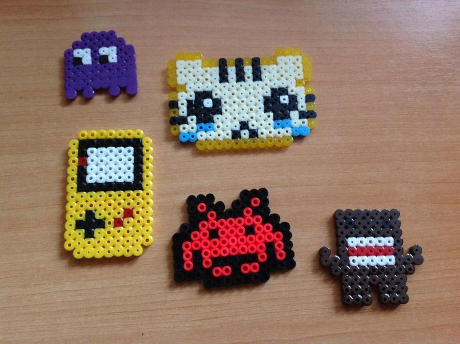 abbastanza Pixel art con Hama Beads OU12