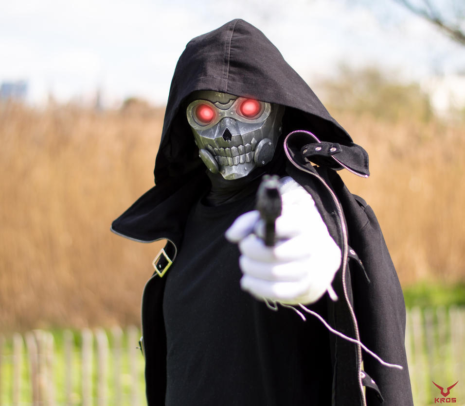 Death Gun Cosplay WIP by SkullSch00l