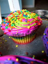Rainbow Cupcake by AutonomousInk