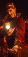 HHN XX Photos - The Usher