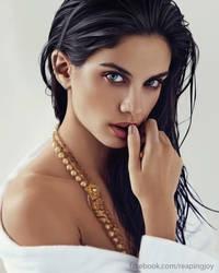 Digital Portrait - Sara Sampaio by vannenov