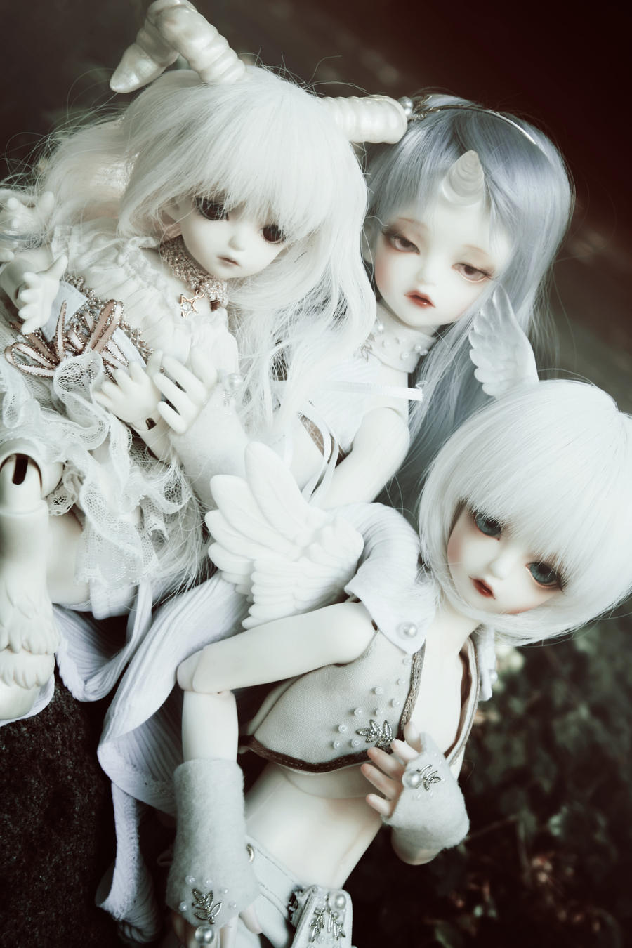 Cold White - Soom Shale and Beyla by Kaalii