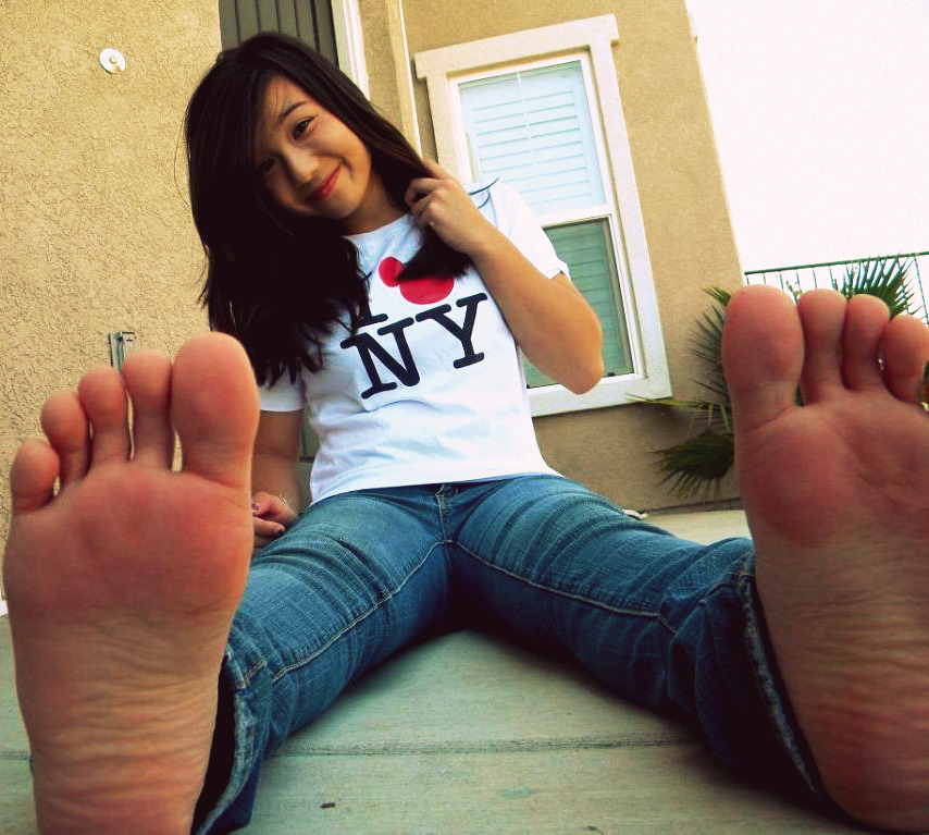Feet by Jeannyinabottle
