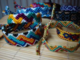 Friendship bracelets ... by Lizknot